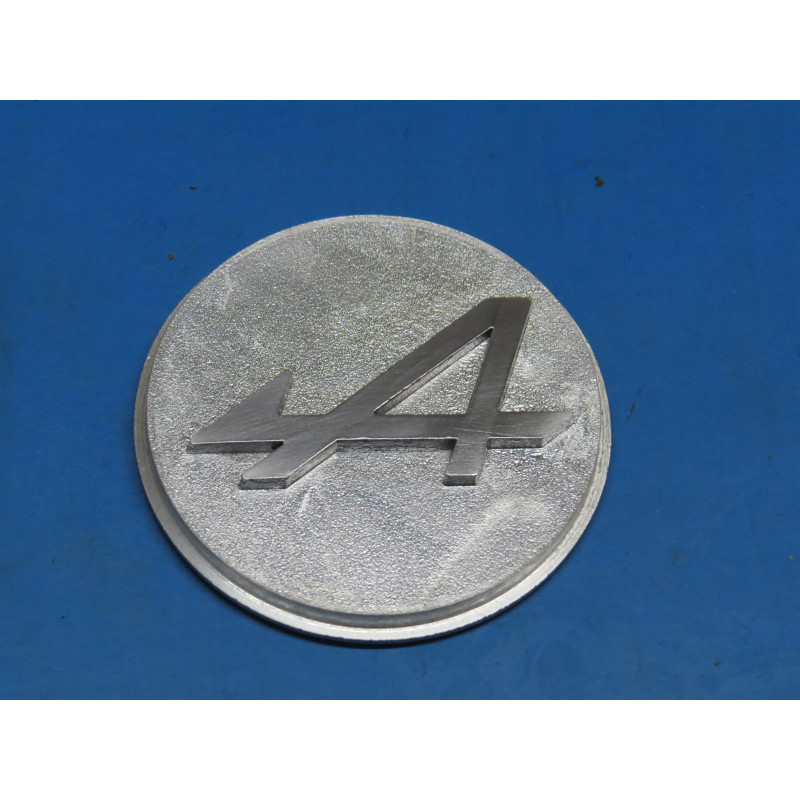 http://www.topretro.fr/136-thickbox_default/cr01-centre-de-roue-r5-alpine-alpine-a310.jpg