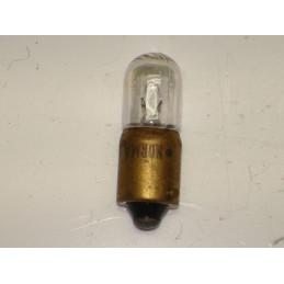 L0647 Lampe témoin BA9S  4 W 6 Volts